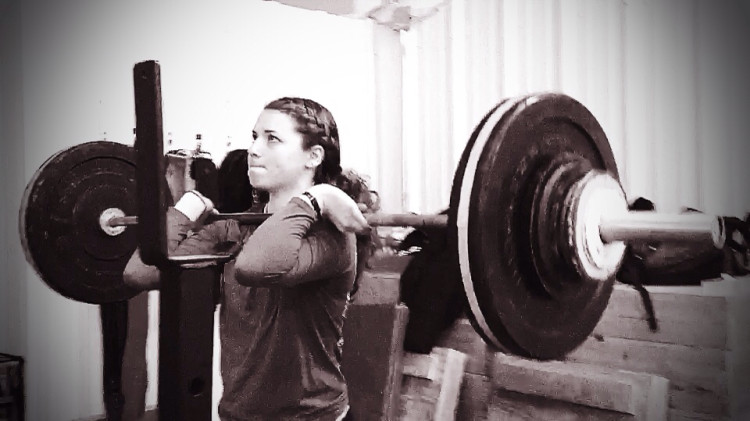 Emma-front-squat-top-Weightlifting-Academy